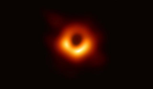 M87銀河ブラックホール
